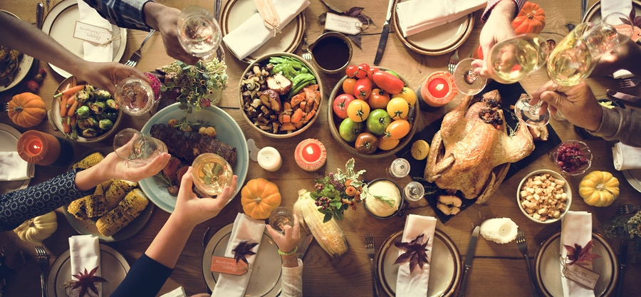 Tips for Hosting A Resident Friendsgiving